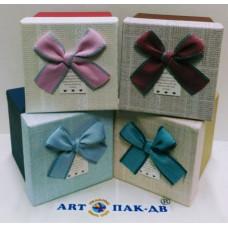Коробка куб из 1шт 12.5*11*10.5см с бантом в ассортименте
